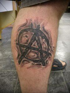 Фото знак анархии тату 24.03.2020 №021 -tattoo anarchy- tattoo-photo.ru