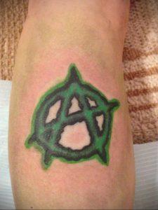 Фото знак анархии тату 24.03.2020 №034 -tattoo anarchy- tattoo-photo.ru