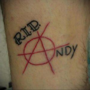 Фото знак анархии тату 24.03.2020 №042 -tattoo anarchy- tattoo-photo.ru