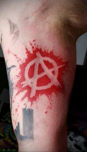 Фото тату анархия на руке 24.03.2020 №012 -tattoo anarchy- tatufoto.com
