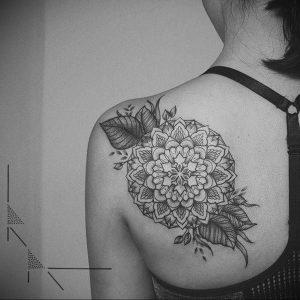 Фото тату на левой лопатке 09.03.2020 №020 -tattoo on the shoulder- tattoo-photo.ru