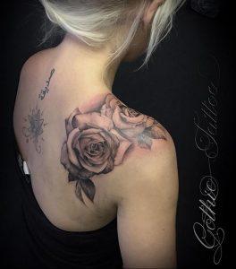 Фото тату на правой лопатке 09.03.2020 №004 -tattoo on the shoulder- tattoo-photo.ru