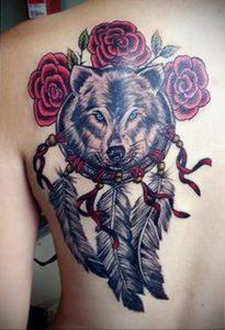 Фото тату с волком на лопатке 09.03.2020 №001 -tattoo on the shoulder- tattoo-photo.ru