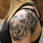 Фото черной тату на лопатке 09.03.2020 №007 -tattoo on the shoulder- tattoo-photo.ru
