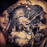 Фото черной тату на лопатке 09.03.2020 №014 -tattoo on the shoulder- tattoo-photo.ru