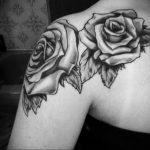 Фото черной тату на лопатке 09.03.2020 №030 -tattoo on the shoulder- tattoo-photo.ru