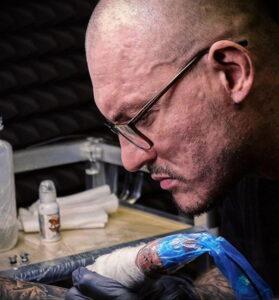 Фото тату салон как бизнес идея 08.11.2020 №003 -tattoo business idea- tattoo-photo.ru