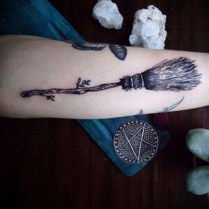 Фото рисунка тату НА ТЕМУ ВЕДЬМ 28.01.2021 №0014 - witch tattoo - tattoo-photo.ru