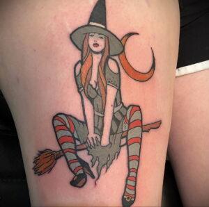 Фото тату метла ведьмы 28.01.2021 №0037 - tattoo witch broom - tattoo-photo.ru